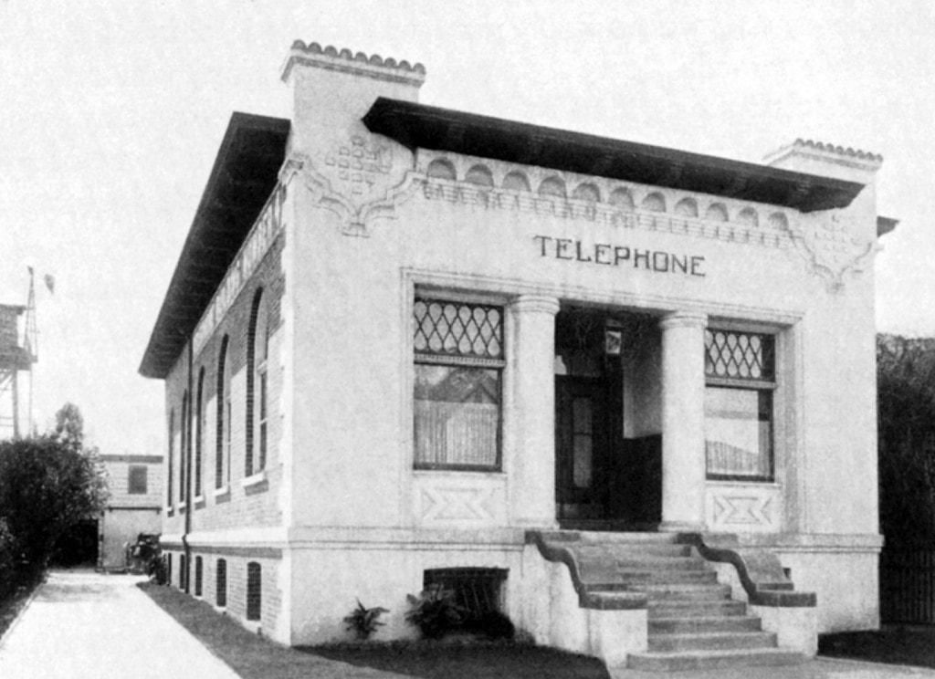 Telephone 2152 Central Avenue Bldg DS400 Rev 1
