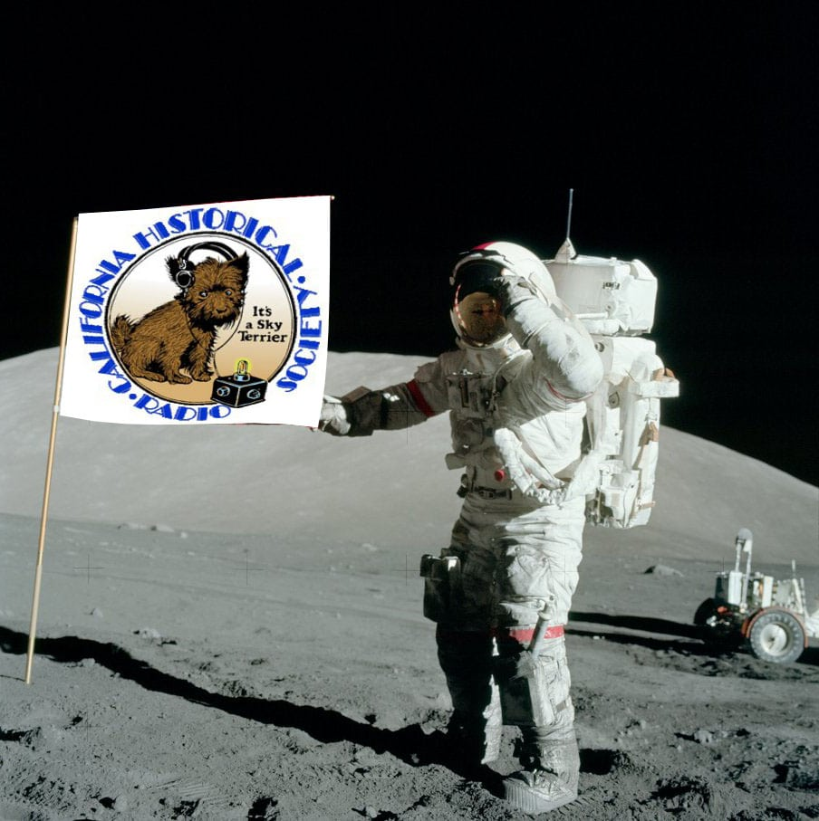 Astronaut with Flag On Moon - Pics about space